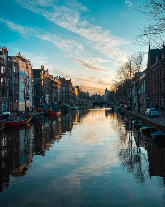 AMSTERDAM CHEAP TRAVEL GUIDE