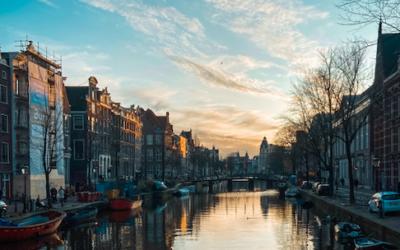 AMSTERDAM CHEAP TRAVEL GUIDE