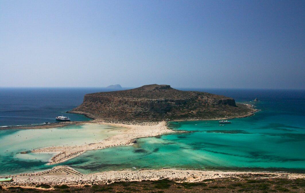 THE FLORA AND FAUNA OF GREEK ISLAND CRETE
